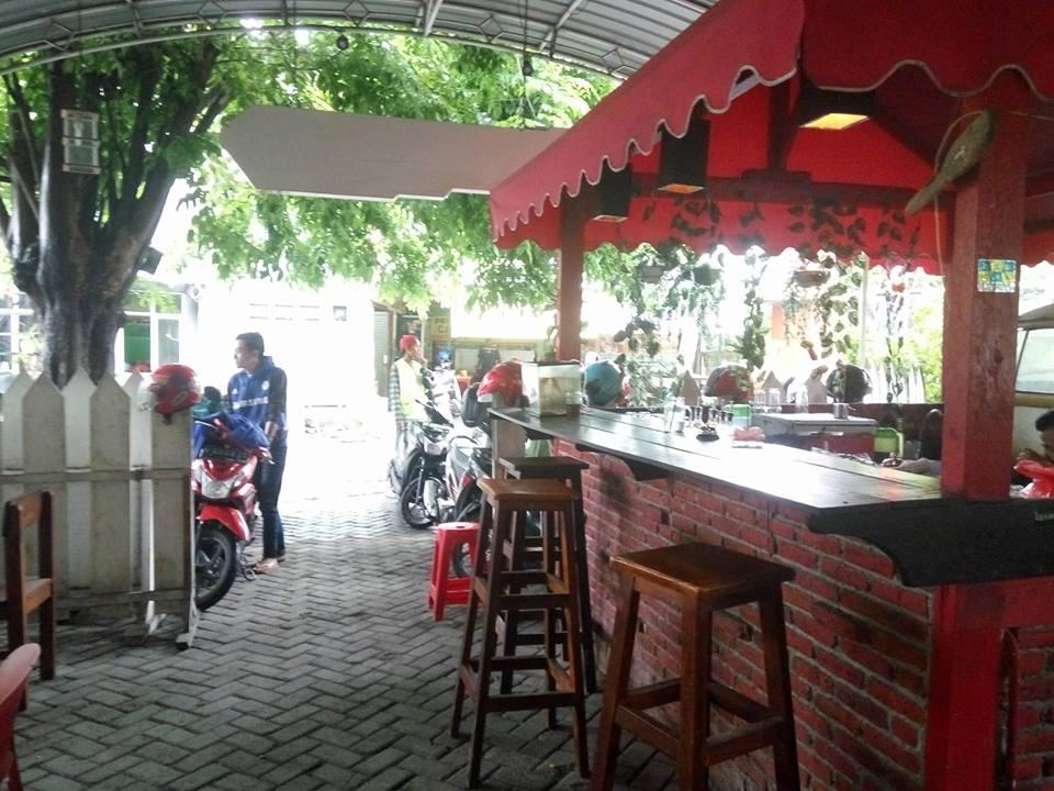 Cafe Omah Dewe di Sidoarjo