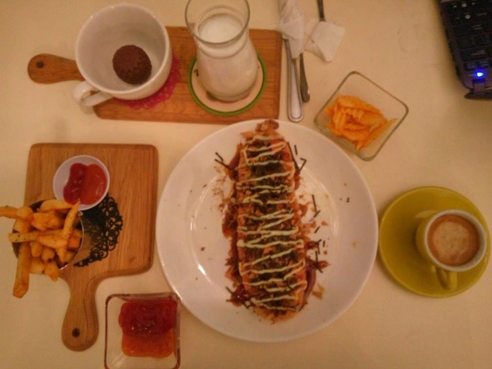 la-ricchi-ice-cream-surabaya-japanese-hotdog