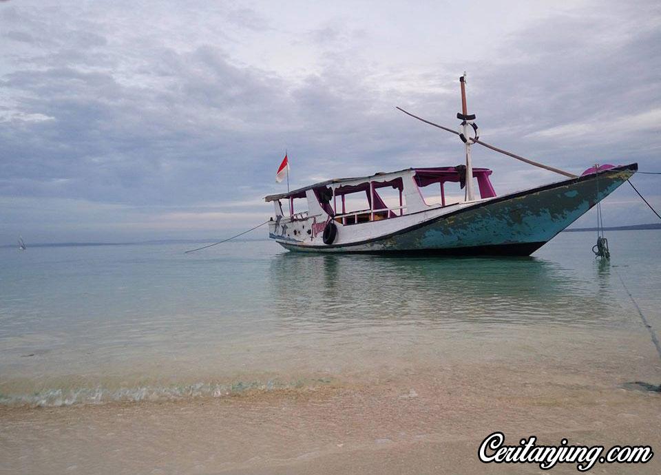 perjalanan-ke-pulau-gili-labak-bersama-turis-asal-jerman