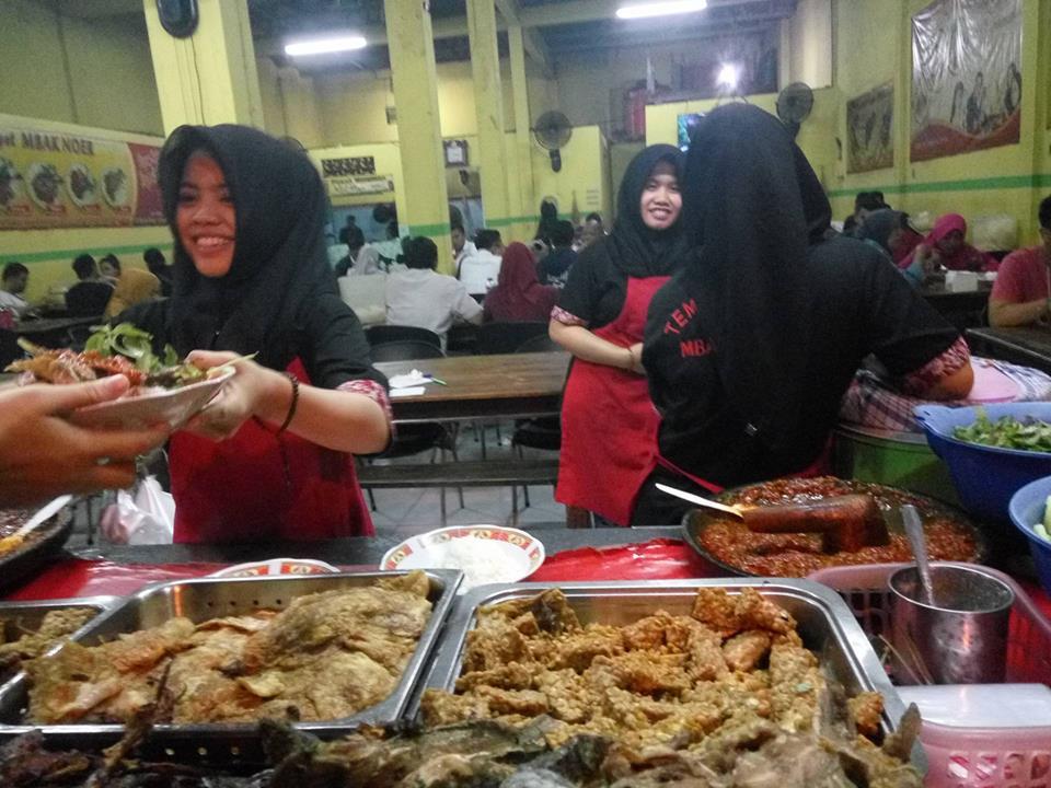 Tempe Penyet Mbak Noer Jagir Kota Surabaya Jawa Timur