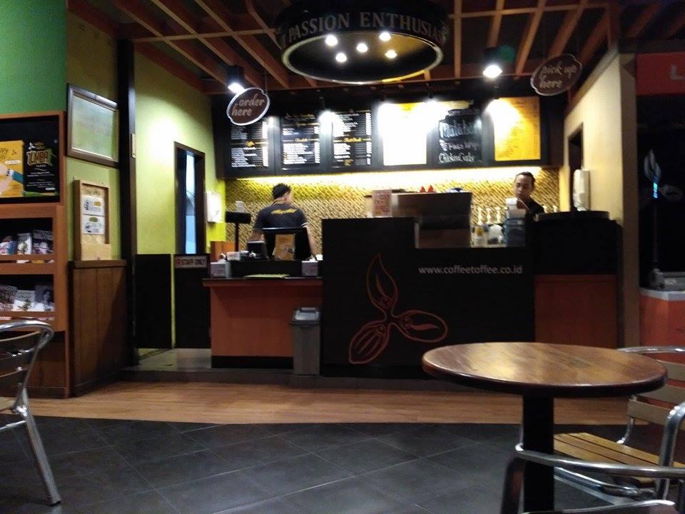 Tempat Nongkrong Malam di Post Shop Coffee Toffee Surabaya