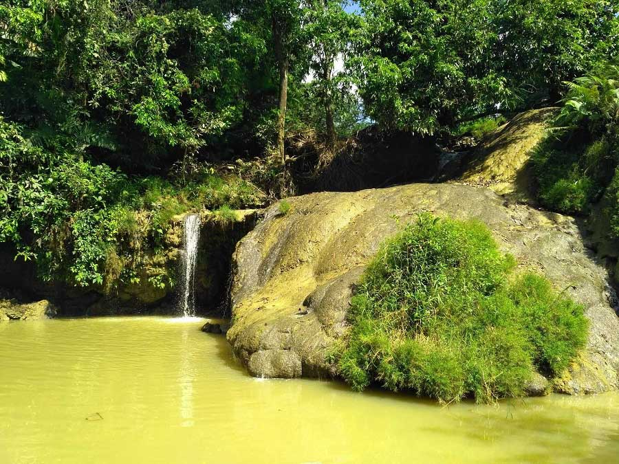 Air Terjun Bongok di Tuban