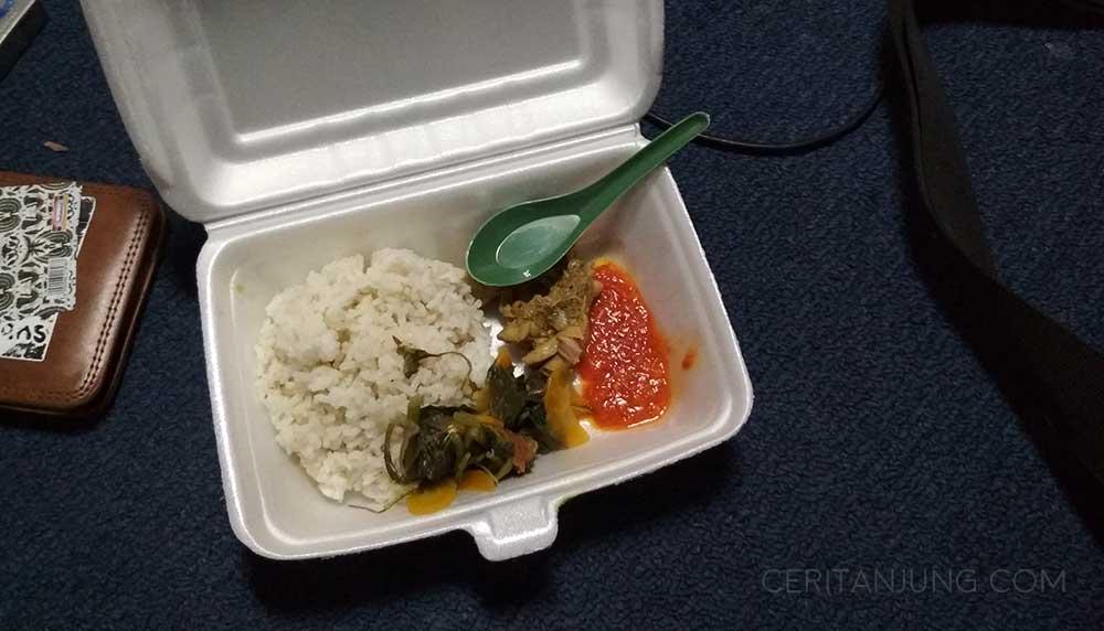 Fasilitas Kapal Legundi Surabaya-Lombok makanan
