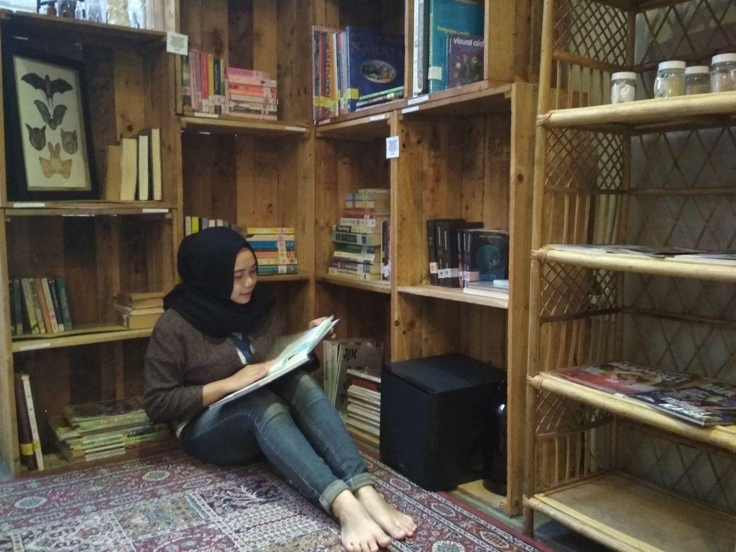Libreria Eatery Cafe Surabaya: Nikmatin 'Me Time' kamu disini