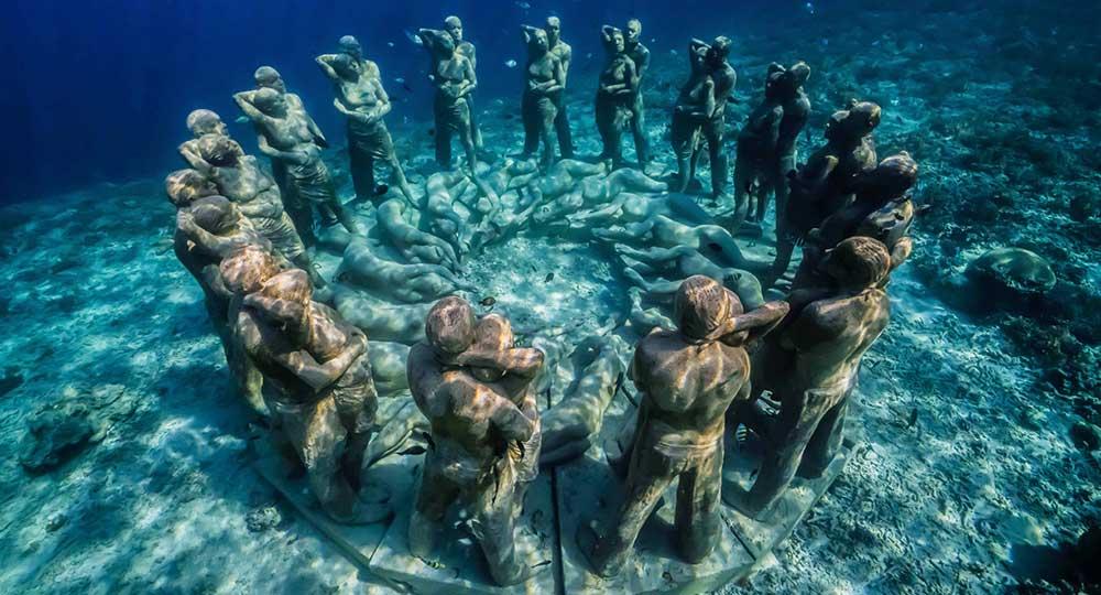 48 patung manusia bawah laut gili meno lombok