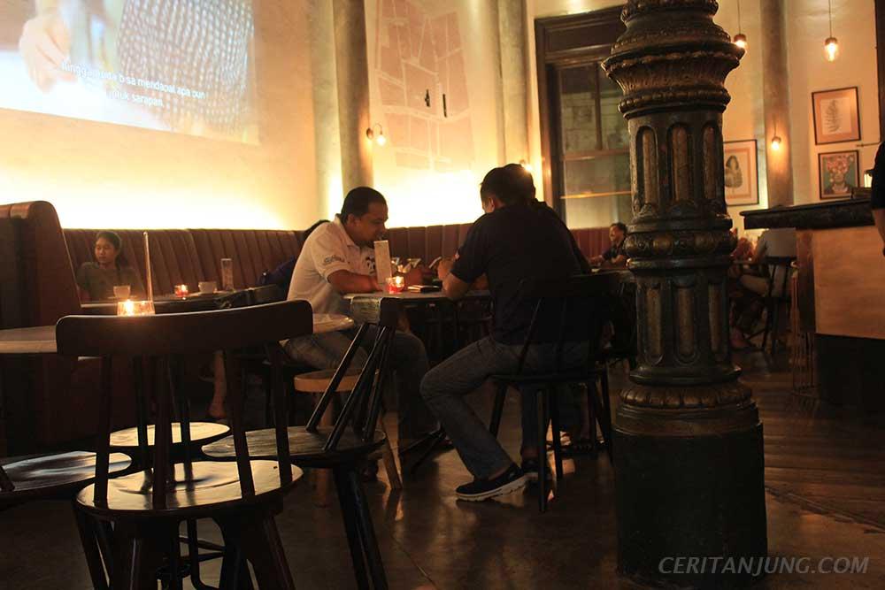 'Spiegel Bar & Bistro' Gaya Eropa di Kota Lama Semarang