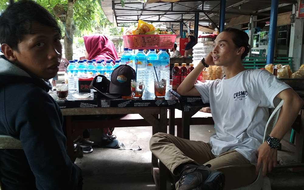 ngopi di pelabuhan lembar lombok