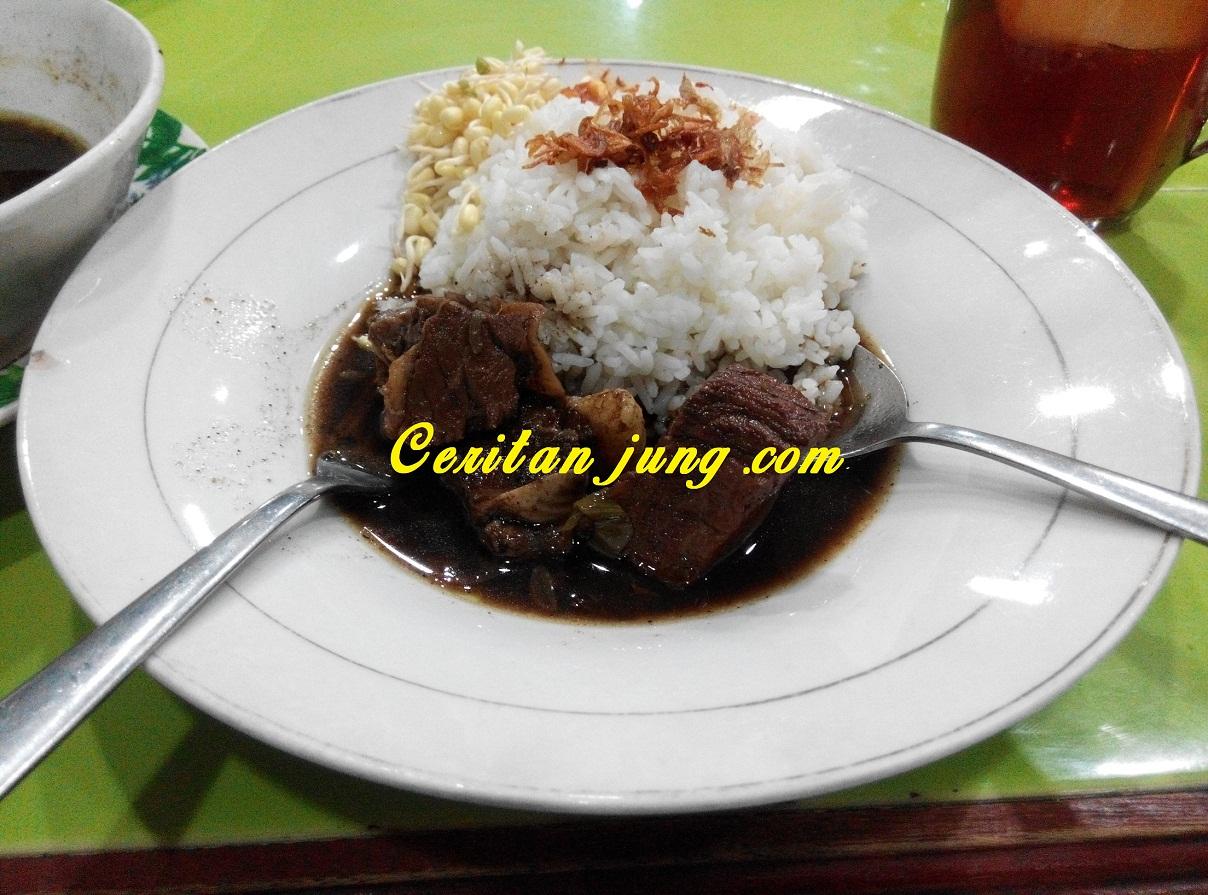 Kuliner Rawon Setan Surabaya