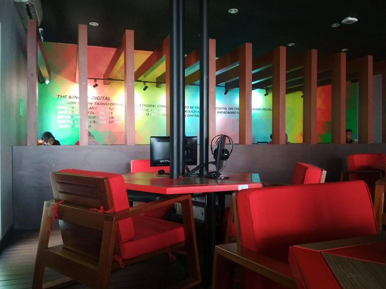 Indie Cafe Ketintang Surabaya