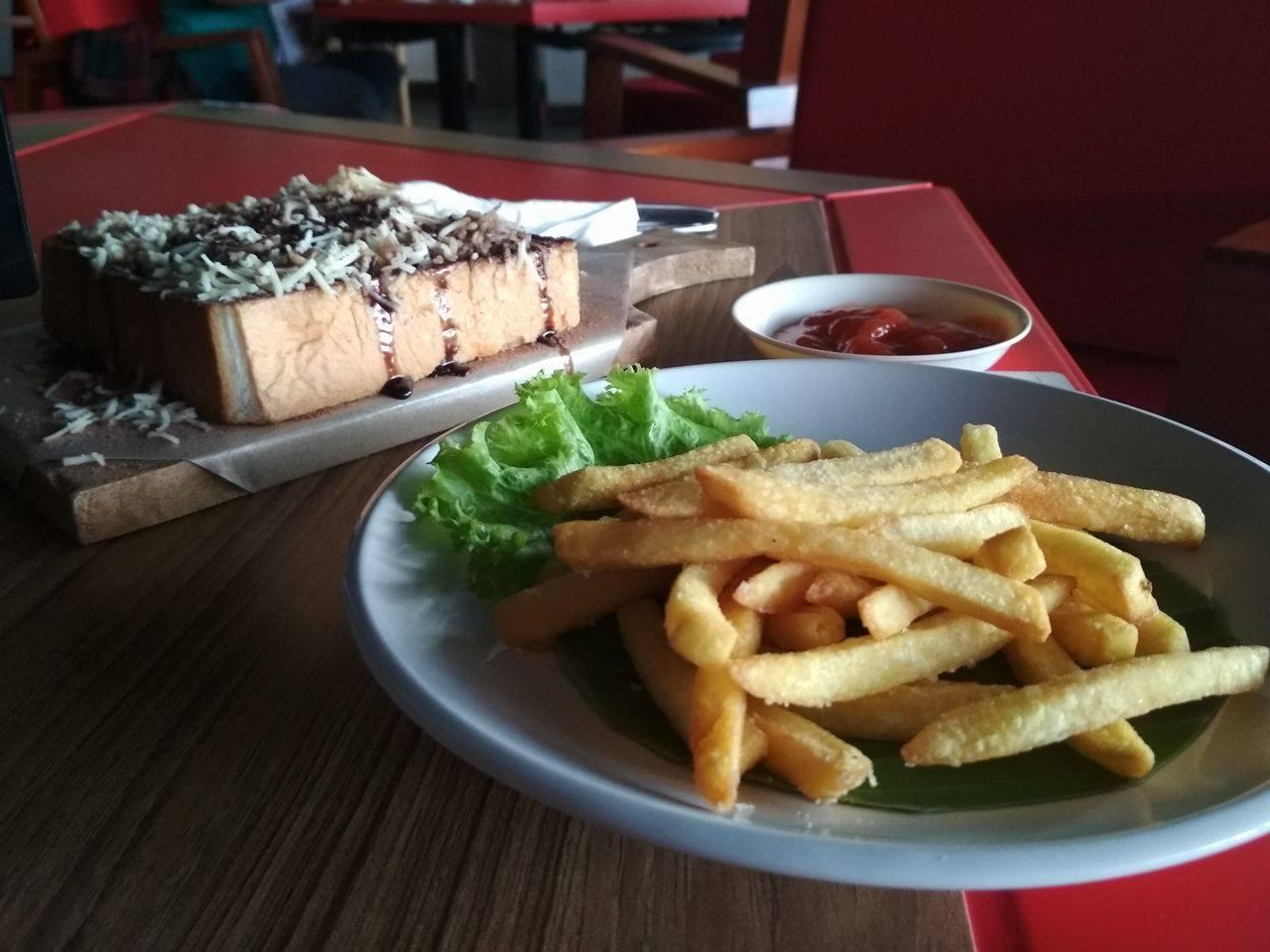 Internet Gratis di Indie Cafe Surabaya