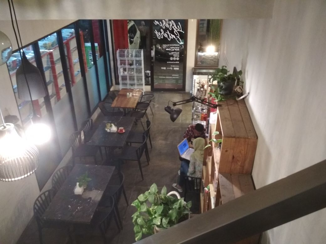 Libreria Eatery Cafe Surabaya Uranus