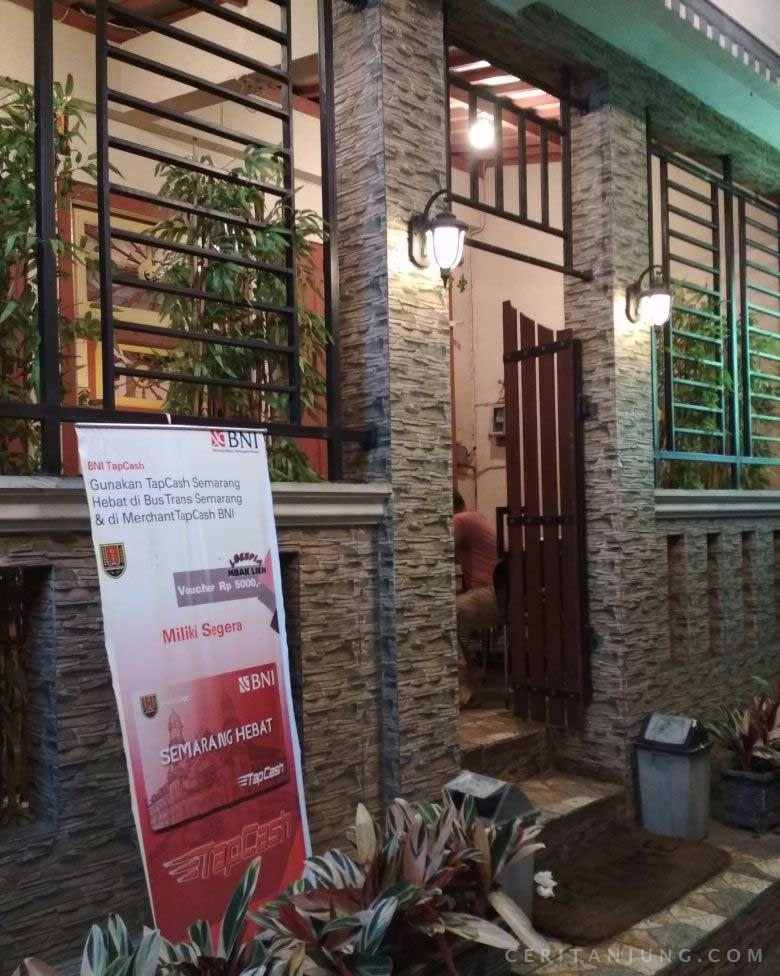 Nikmatnya Lumpia Mbak Lien Semarang