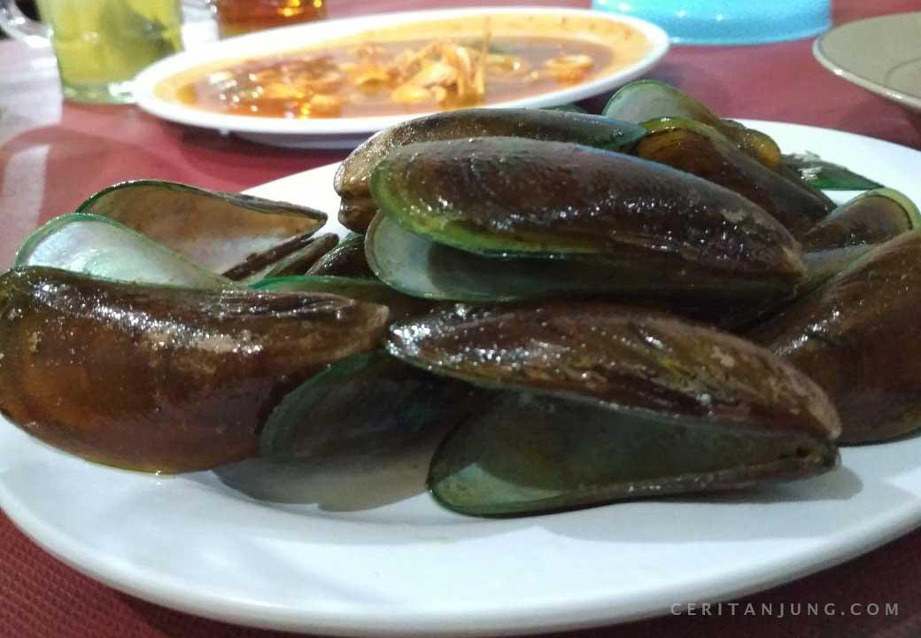 Seafood Tiga Belas