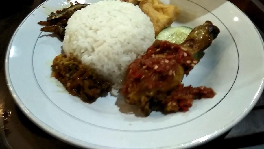 Ayam Goreng Plecing Nelongso Gresik