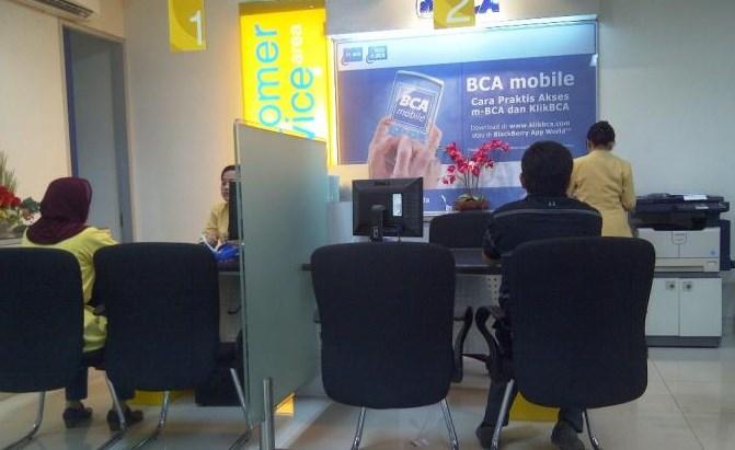 Cara Mengatasi Kartu ATM BCA Tertelan Mesin