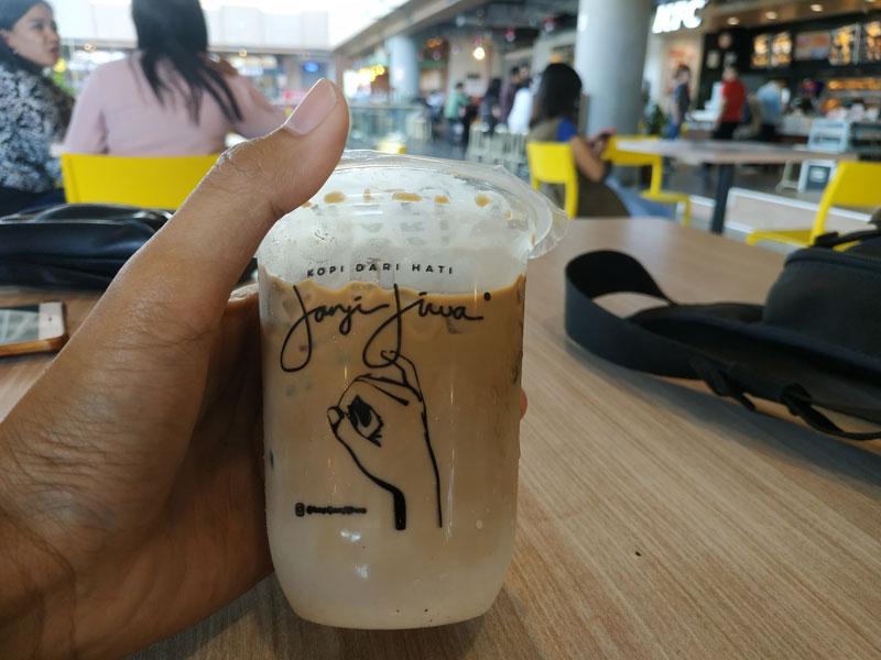 Ice Latte Kopi Janji Jiwa Surabaya