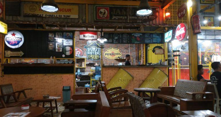 Pergi ke Cafe Bukit Bintang atau Gresik Seru
