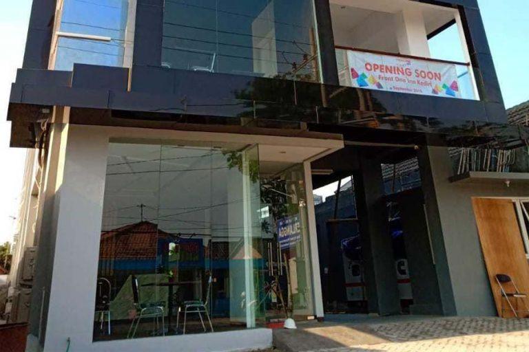 Review Hotel Front One Inn Kediri